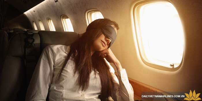 Điều chỉnh lượng ánh sáng trên máy bay
